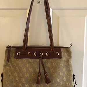 Dooney & Bourke Classic Bag